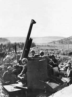 Ww Ii Photograph - Soldiers On The Maginot Line by Underwood Archives