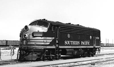 Freight Train Photograph - Southern Pacific Locomotive by Underwood Archives