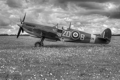 Photograph - Spitfire Mk Ixb Mh434 by Chris Day