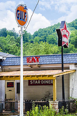 Photograph - Star Diner by Carolyn Marshall