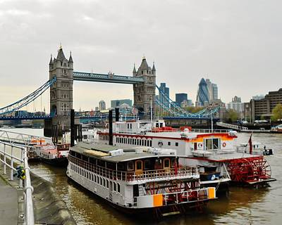 England Photograph - Steamboats Along The Thames by David Lobos