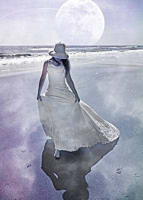 Sea Moon Full Moon Photograph - Strolling In Paradise by Betsy Knapp