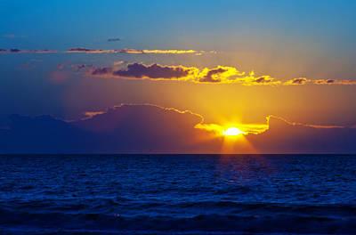 Sunrise At The Beach II Art Print