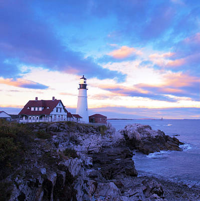 North Sea Painting - Sunset In Fork Williams Lighthouse Park Portland Maine State by Paul Ge