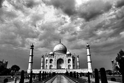 Muslims Of The World Photograph - Taj Mahal India In Black And White by Amanda Stadther