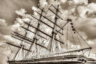Gipsy Photograph - The Cutty Sark Greenwich by David Pyatt