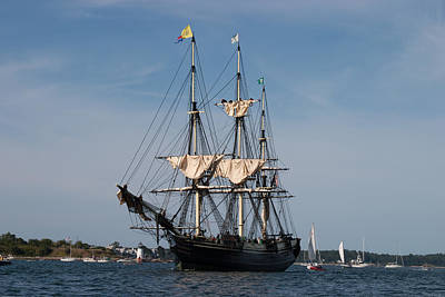Photograph - The Friendship Sails Home To Salem by Jeff Folger