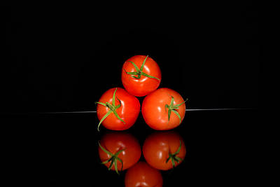 Three Red Tomatoes Stacked Original by Tommytechno Sweden