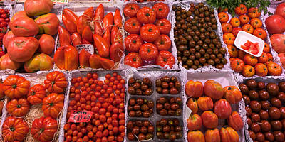 Healthy Eating Photograph - Tomatoes At A Market Stall, Santa by Panoramic Images