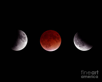 Photograph - Total Lunar Eclipse by John Chumack