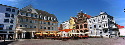 Tourists At A Sidewalk Cafe, Stralsund Art Print