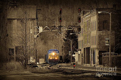 Train At Thurmond Wv Art Print by Dan Friend