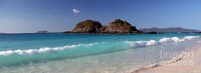 Photograph - Clearly Trunk Bay by Betty Morgan