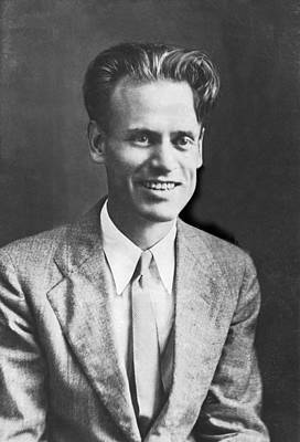 Waist Up Photograph - Tv Pioneer Philo Farnsworth by Underwood Archives