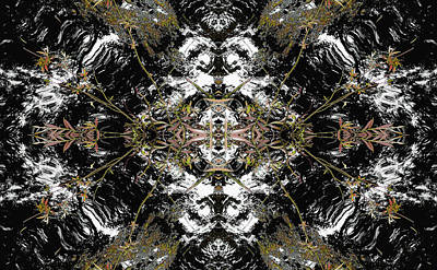 Kaleidoscopic Photograph - Unnatural 37 by Giovanni Cafagna