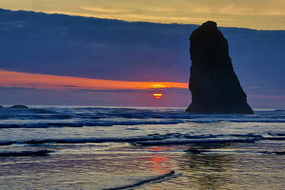 Carter Photograph - Usa, Oregon, Cannon Beach by Jaynes Gallery