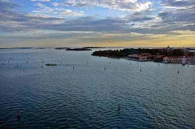 Photograph - Venice-264 by Rezzan Erguvan-Onal