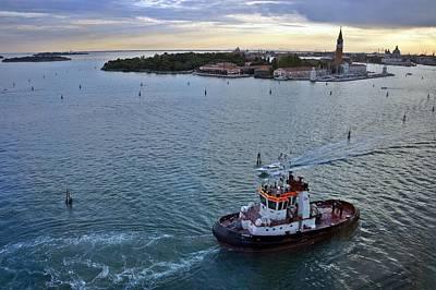 Photograph - Venice-265 by Rezzan Erguvan-Onal