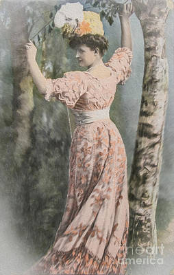 Photograph - Victorian Lady In Beautiful Dress by Patricia Hofmeester