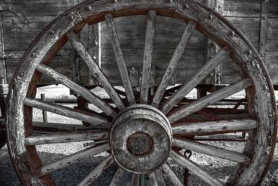 Photograph - Wagon Wheel by David Andersen