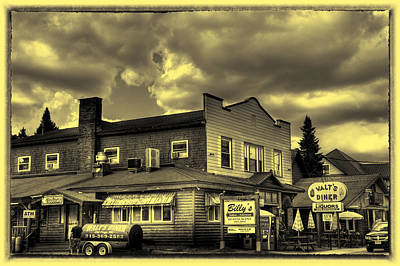 Photograph - Walt's Diner And Billy's Restaurant by David Patterson