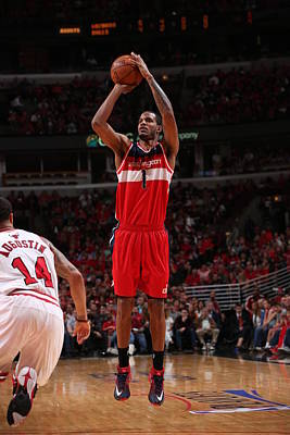 Chicago Photograph - Washington Wizards V Chicago Bulls by Gary Dineen