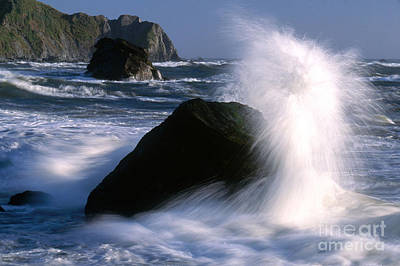 Photograph - Waves Breaking On Shore by Jim Corwin