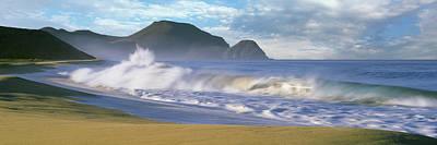 Waves Breaking On The Beach, Playa La Art Print