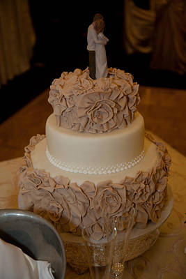 Photograph - Wedding Cake by Carole Hinding