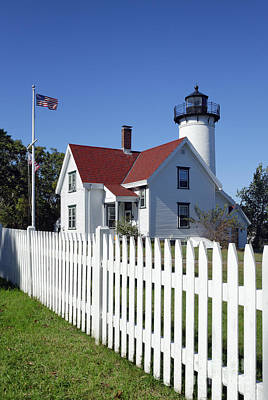 Keepers House Photograph - West Chop Lighthouse by John Greim