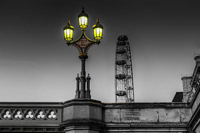 Photograph - Westminster Bridge Lamp by David Pyatt