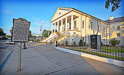 Photograph - Williamsburg County Courthouse by Linda Brown