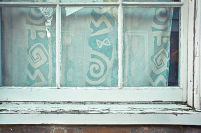 Frame House Photograph - Window Frame by Tom Gowanlock
