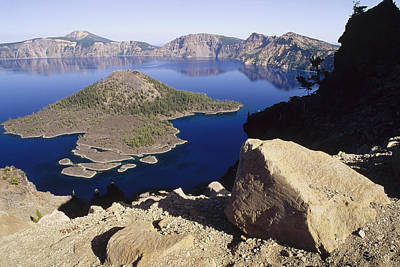 Mount Mazama Photograph - Wizard Island In Crater Lake by Gerry Ellis