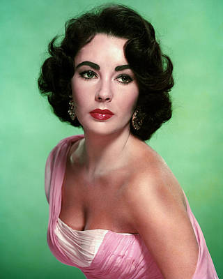 Elizabeth Taylor Wall Art - Photograph - Elizabeth Taylor by Silver Screen