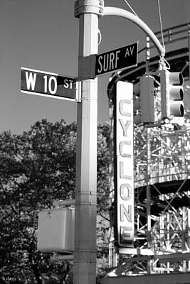 10th And Surf In Black And White Print by Rob Hans