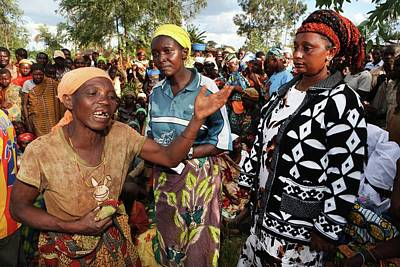 Group Of Women Talking Photograph - Burundi-peace by Ton Koene