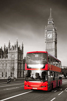 Photograph - Bus In London by Songquan Deng