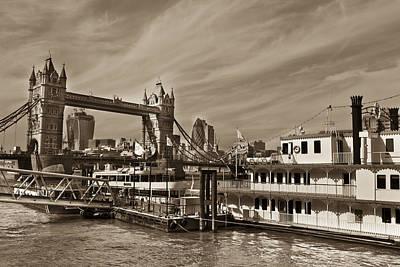 Soap Suds - River Thames View by David Pyatt