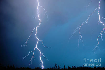 Photograph - 1110p Lightning by NightVisions