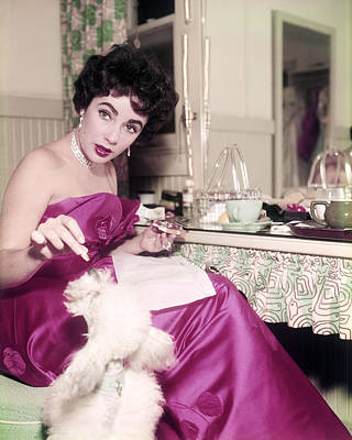 Elizabeth Taylor Photograph - Elizabeth Taylor by Silver Screen