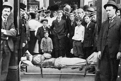 Harry James Photograph - Harry Houdini (1874-1926) by Granger