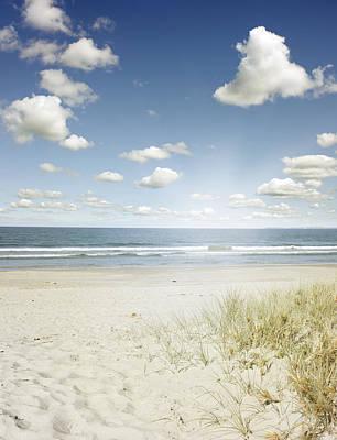 Anchor Down - Beach by Les Cunliffe