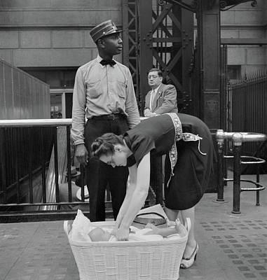 Bassinet Photograph - Nyc Penn Station, 1942 by Granger