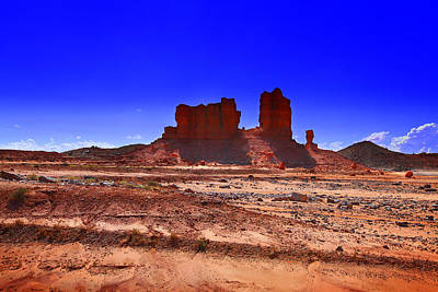 Photograph - Monument Valley Usa by Richard Wiggins