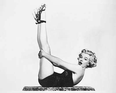 Photograph - Marilyn Monroe (1926-1962) by Granger