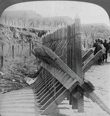 Barbed Wire Fences Painting - Russo-japanese War, 1905 by Granger