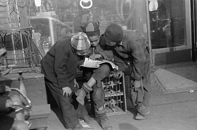 Photograph - Chicago Children, 1941 by Granger