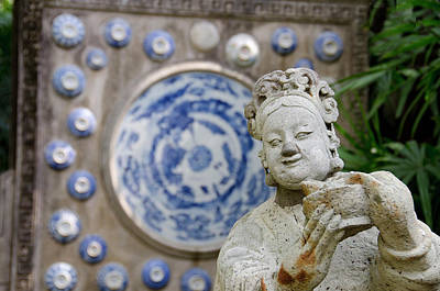 Antique Dishes Photograph - Thailand, Bangkok by Cindy Miller Hopkins