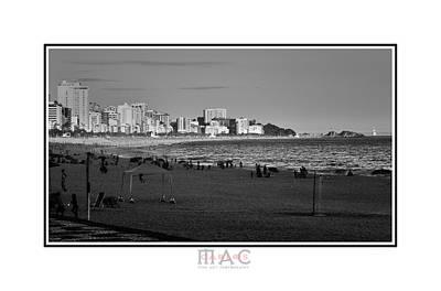Photograph - 1800b by Carlos Mac